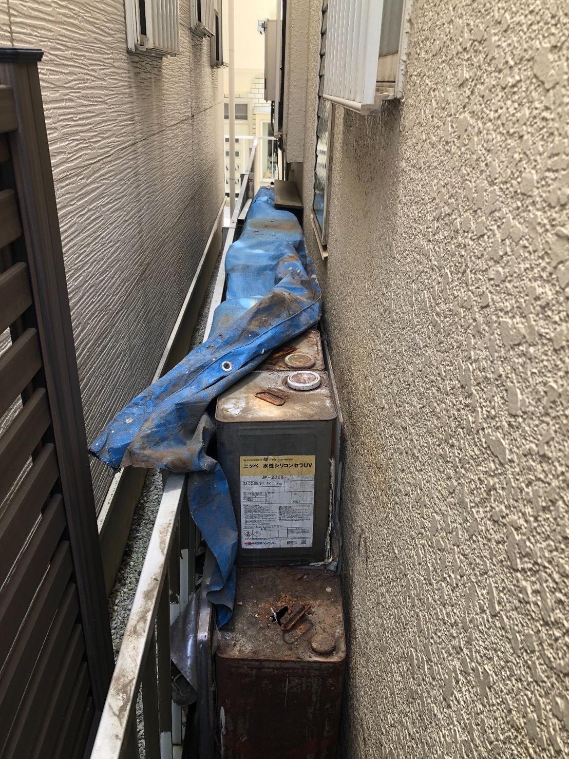 板橋区四葉 塗装缶敷地内移動